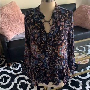 Ella moon navy floral blouse sz. L